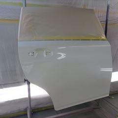 トヨタのウイッシュ(DBA-ZGE20W):右リアドア、右クォーターパネル板金、塗装 作業工賃130,000円/合計金額(税込)140,400円