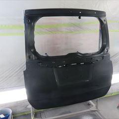 トヨタのヴォクシー(DBA-ZRR85W):リアバンパー、リアゲート他の交換、リアガラス脱着、左スライドドア、クォーターパネル板金塗装、他