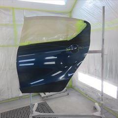 トヨタのアクア(DAA-NHP10):左リアドア、左クォーターパネル板金塗装、ホイールキャップ交換など 作業工賃100,000円 部品代金6,450円/合計金額(税込)114,966円