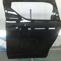 トヨタのアルファード(DBA-AGH30W):左スライドドア、ガーニッシュ、左ロックピラー交換、ガラスコーティング、塗装など 部品代金・作業工賃250,000円(税込)