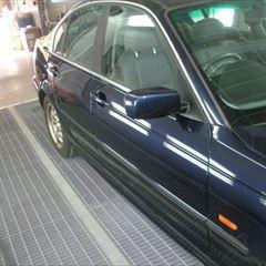 BMWの3シリーズ(GF-AM25):ボンネット、左フロントフェンダ、左フロントドア修理、塗装 作業工賃170,000円/合計金額(税込)183,600円