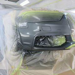 アウディのA4アバント(DBA-8KCDN):フロントバンパー板金塗装 作業工賃45,000円 合計金額(税込み) 48,600円
