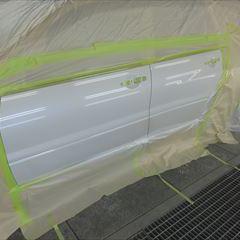 三菱のランサーエボリューションワゴン(GH-CT9W):左フロントドア、左フロントドア板金塗装 作業工賃120,000