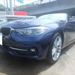 BMWの3シリーズ(LDA-3D20):フロントバンパー、左ヘッドランプ他の交換、フロントバンパー穴あけ加工、塗装など