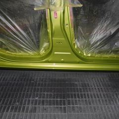 トヨタのアクア(DAA-NHP10):右サイドシル板金塗装 作業工賃120,000円/合計金額(税込)129,600円