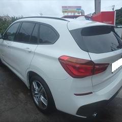 BMWのX1(LDA-HT20):左リアドア、左リアフェンダ、リアバンパートリムパネル他の交換、左フロントドア、左リアサイドウィンド、リアシート他脱着、修理、塗装など