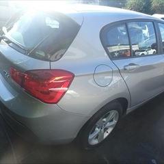 BMWの1シリーズ(LDA-1S20):右クォーターパネル、リアバンパー板金、塗装 作業工賃96,000円
