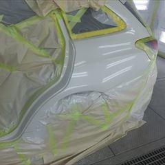 スバルのレヴォーグ(DBA-VM4):左クォーターパネル、左タイヤハウス板金、塗装 作業工賃120,000円/合計金額(税込)129,600円