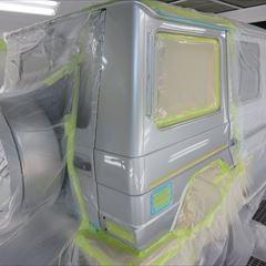 ベンツのGクラス(DBA-204048):リアバンパーの脱着、修理、塗装 作業工賃67,000円