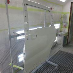 ホンダのオデッセイハイブリッド(DAA-RC4):左フロントドアパネル、左スライドドアパネル、左リアアウトサイドパネル他の交換、左リアインサイドパネル、左クォーターガラス、リアバンパーの脱着、板金、塗装など