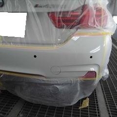 BMWの4シリーズグランクーペ(DBA-4B30):リアバンパー修理、塗装 作業工賃60,000円/合計金額(税込)64,800円