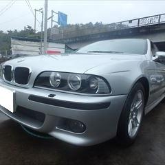 BMWの5シリーズ(GH-DT30):フロントバンパー修理、塗装 作業工賃100,000円/合計金額(税込)108,000円