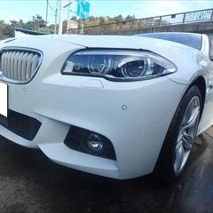 BMWの5シリーズ(DAA-FZ35):フロントバンパー修理、塗装 作業工賃40,000円/合計金額(税込)43,200円