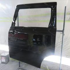 日産のエルグランド(DBA-PE52):フロントバンパーフェーシア、左スライドドア、左フロントドアモール、左スライドドアモール他の交換、左フロントドア、左リアフェンダ板金、塗装など