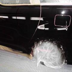 トヨタのヴェルファイア(DBA-AGH30W):ドアモール交換 部品代金13,700円/左リアドア、左ロックピラー、左クォーターパネル板金、塗装など 作業工賃200,000円/合計金額(税込)230,796円