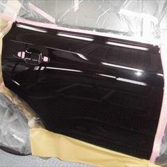 ボルボのXC60(LDA-UD4204TXC):右リアドア板金、塗装、コーティング 作業工賃90,000円/合計金額(税込)97,200円