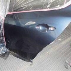 マツダのアクセラスポーツ(DBA-BM5FS):傷の修理方法と費用 左リアドア、左ロックピラー修理、塗装 作業工賃129,630円/合計金額(税込)140,000円