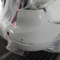 BMWの2シリーズ(LDA-2E20):リアバンパー修理、塗装 作業工賃60,000円/合計金額(税込)64,800円