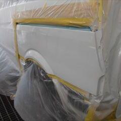 メルセデスベンツのVクラス(ABA-639811):テールランプ、エンブレム他の交換、リアバンパー、リアガラス脱着、リアゲート、左クォータパネルなどの板金、脱着、修理、塗装など