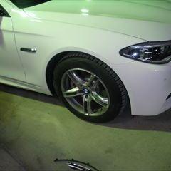 BMWの5シリーズ(LDA-MX20):フロントバンパー、ボンネット修理、ホイール修理、塗装など 作業工賃100,000円