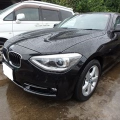 BMWの1シリーズ(DBA-1A16):フロントバンパー修理、塗装 作業工賃60,000円/合計金額(税込)64,800円