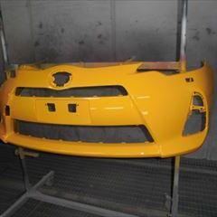 トヨタのアクア(DAA-NHP10):フロントバンパー他の交換 部品代金41,250円/右ヘッドランプ、ラジエーターコアサポート他の脱着、修理、塗装 作業工賃139,200円/合計金額(税込)198,495円