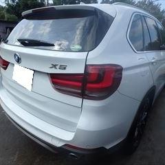 BMWのX5(LDA-KS30):リアゲート板金塗装 作業工賃150,000円/合計金額(税込)162,000円