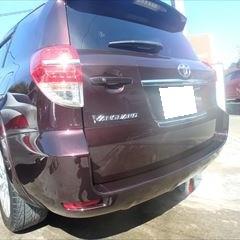 トヨタのヴァンガード(DBA-ACA38W):リアバンパー修理、塗装 作業工賃60,000円/合計金額(税込)64,800円