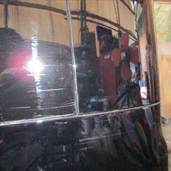 トヨタのマークX(DBA-GRX130):リアバンパー、右クォーターパネルの交換、リアガラス脱着、クォーターインナーパネル板金、塗装、他