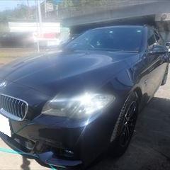 BMWの5シリーズ(LDA-MX20):フロントバンパー脱着、修理、塗装 作業工賃120,000円(税込)