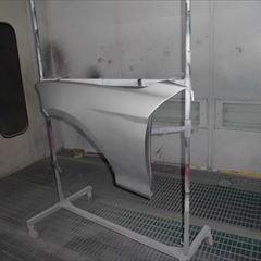 BMWの1シリーズ(DBA-1 R 15):フロントバンパートリムパネル、左フロントフェンダ他の交換、左ヘッドランプ脱着、センサー修理、ガラスコーティング、塗装、他