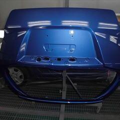ホンダのフィットハイブリッド(DAA-GP1):リアガラス交換、リアまわり板金塗装