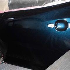 トヨタのカローラスポーツ(6AA-ZWE211H):傷の修理方法と費用 左リアドア、左クォーターパネル、左サイドスポイラー修理、塗装 作業工賃150,000円(税込)