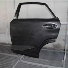 レクサスのNX(DBA-AGZ10) 傷の修理方法と費用 左側面板金塗装 部品134,350円+作業工賃・塗装費用185,500円