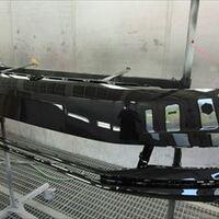 フォルクスワーゲンのゴルフトゥーラン(DBA-1TCZD)傷の修理方法と費用 フロントバンパー交換 部品代100,000円