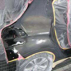 プジョーの208(ABA-A95F01)傷の修理方法と費用 右リア回り板金塗装・交換 作業工賃・塗装費用246,800円/部品代185,000円